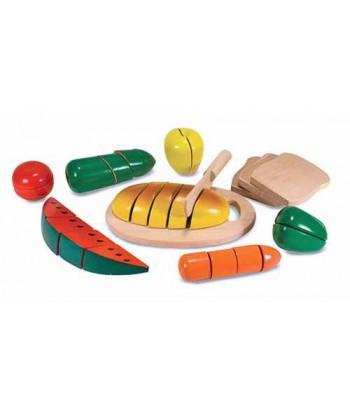 Set d'aliments en bois à couper